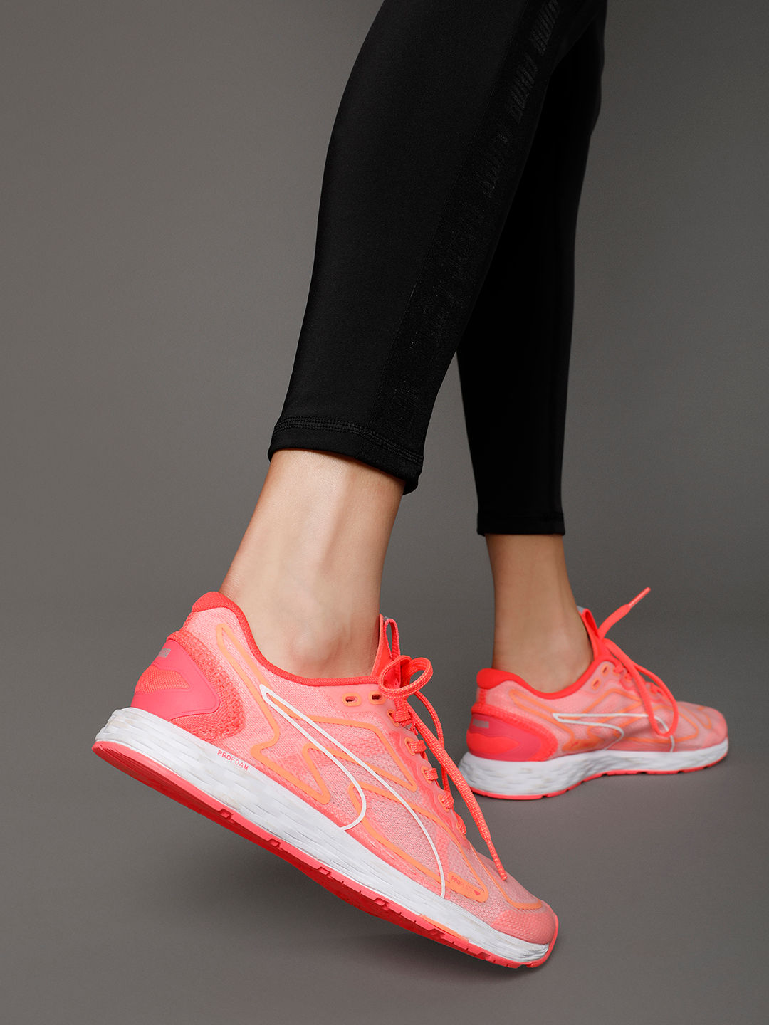sports shoes 300 price