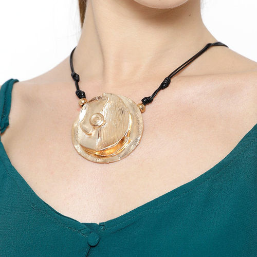 Toniq Rose Gold Black Necklace For Women Os18n306 Buy Toniq Rose Gold Black Necklace For Women Os18n306 Online At Best Price In India Nykaa