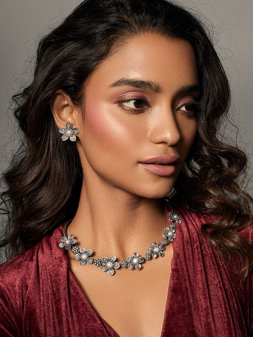 Shaya by Caratlane Silver Becky H Necklace: Buy Shaya by Caratlane Silver  Becky H Necklace Online at Best Price in India | Nykaa