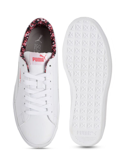 techo adiós estar impresionado  Puma Vikky Stacked Neon Lights Women Casual Shoes - White: Buy Puma Vikky  Stacked Neon Lights Women Casual Shoes - White Online at Best Price in  India | Nykaa
