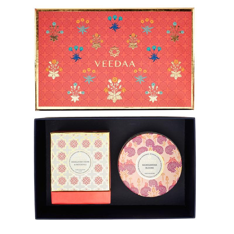 Veedaa Gift Set Himalayan Cedar Patchouli Crown Glass Rajnigandha Blooms 3 Wick Tin Scented Candles