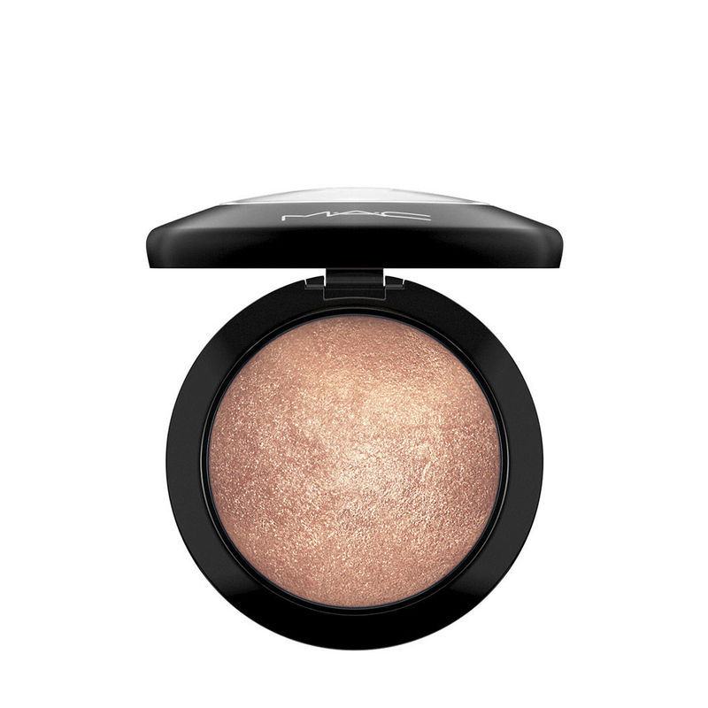M.A.C Mineralize Skinfinish - Global Glow