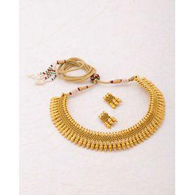 3e12de588d5 Voylla Gracious Gold Plated Sanskriti Necklace Set