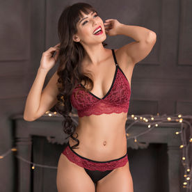 59212dd27 Clovia Lace Non-Padded Non-Wired Caged Back Bralette   Bikini Panty - Maroon