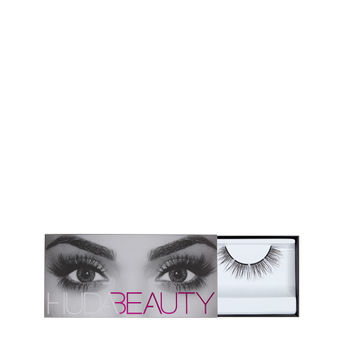 f741039b51b Huda Beauty Eazy Lash - Harmony #17 at Nykaa.com