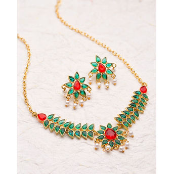 06498f4f51908 Voylla Elegant Gold Plated Necklace Set From Deewan
